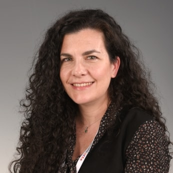 Esther Martínez García, pediatrician specialising in acupuncture and oncological nutrition at SJD Barcelona Children's Hospital