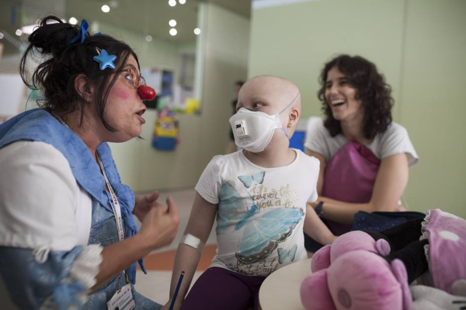 Una de las pacientes del Hospital fotografiada para la campaña del SJD Pediatric Cancer Center Barcelona
