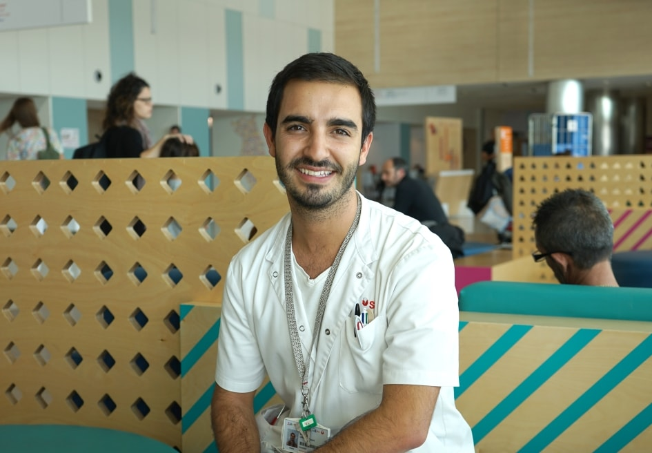 Aitor López, a second-year resident medical intern at the SJD Barcelona Children's Hospital.
