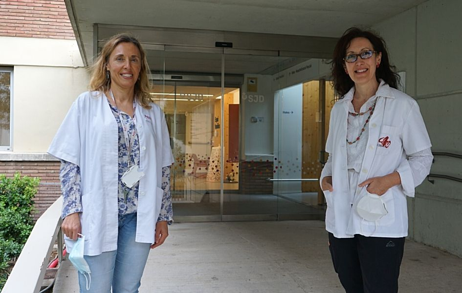 The researchers Àngels Garcia-Cazorla, from the Sant Joan de Déu Research Institute, and Aurora Pujol, from IDIBELL