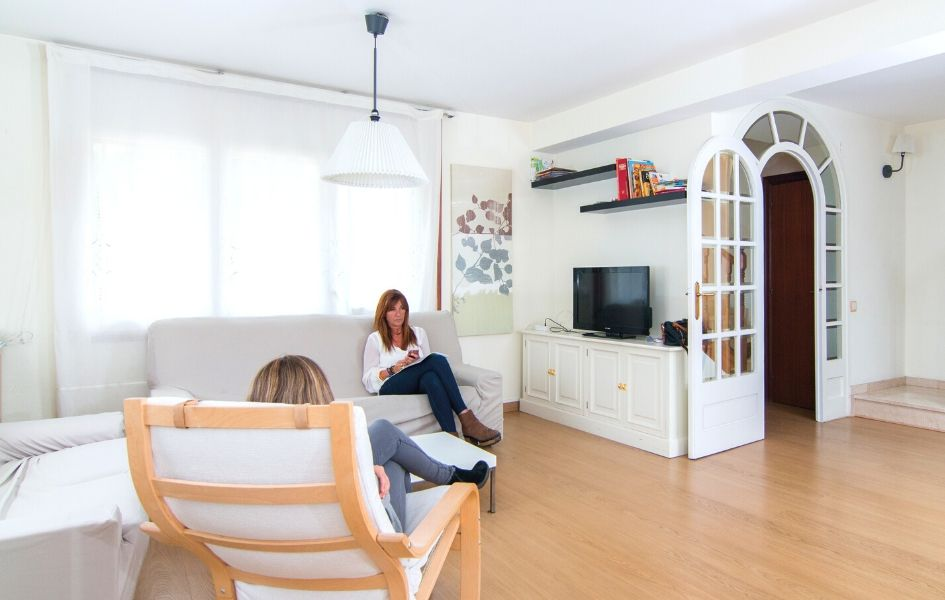 Living room of one of the homes in SJD Barcelona Children's Hospital's Hospitality programme.
